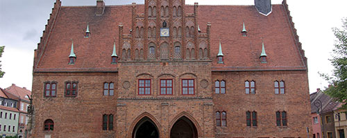 Jüterbog (Teltow-Fläming), Rathaus, Foto 2009 - https://commons.wikimedia.org (Foto: Clemensfranz, CC BY-SA 3.0